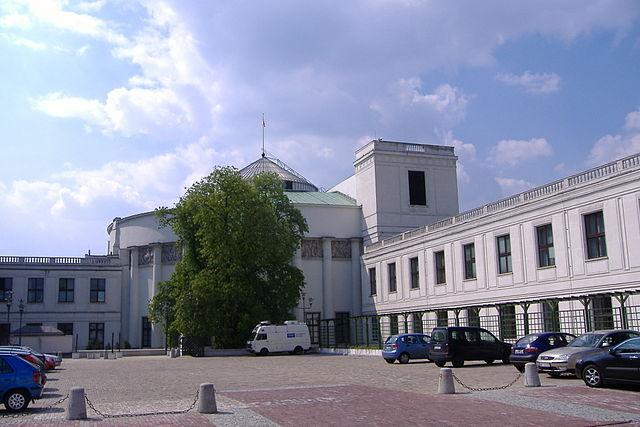 sejmowy budynek